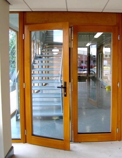 drzwi zewnętrzne mostek termiczny